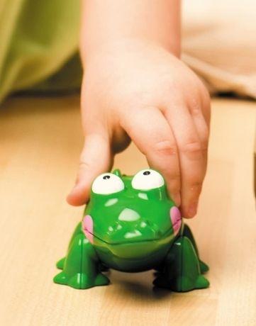 חברים ראשונים תנין משחק פעוטות חיות ילדים אגם ספרים
